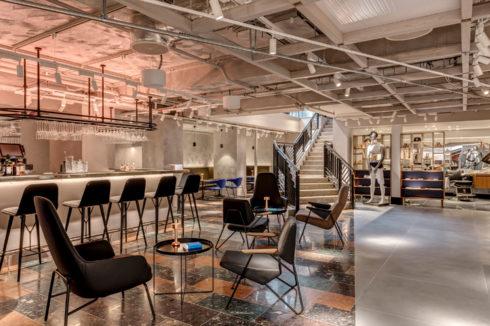 Wallpaper Bar & Kitchen